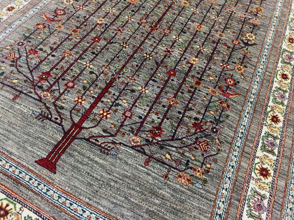 ルリバフ 圧倒の生命の樹