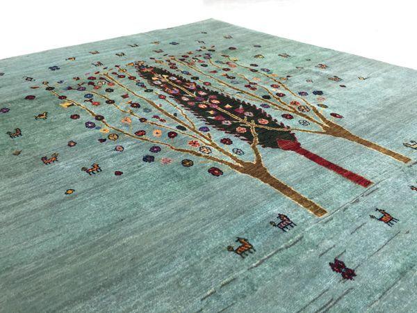 ギャッベ世界展示会ゾランヴァリ最新生命の樹