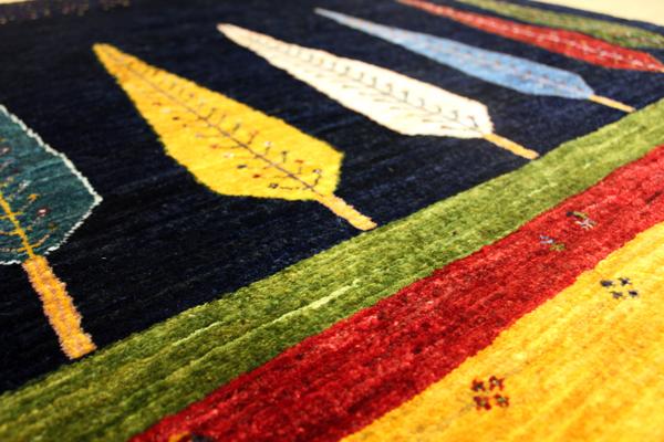 ゾランバリ手織り絨毯ギャッベ