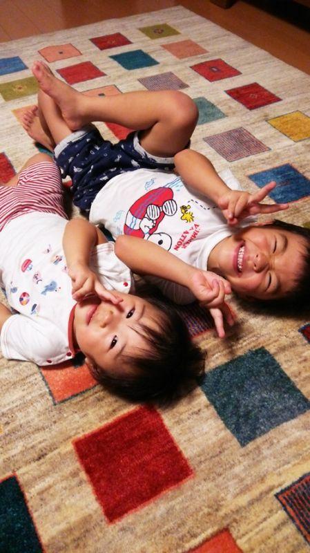 ギャッベと子どもたちの笑顔が素敵