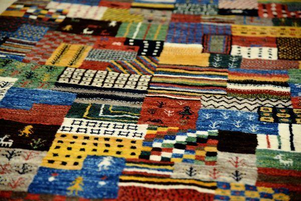 ゾランヴァリ手織り絨毯ギャッベ カシュクリのパッチワーク柄