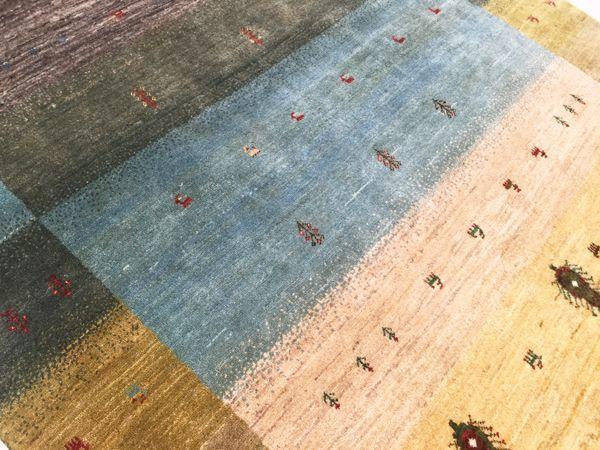 ゾランヴァリ手織り絨毯ギャッベ