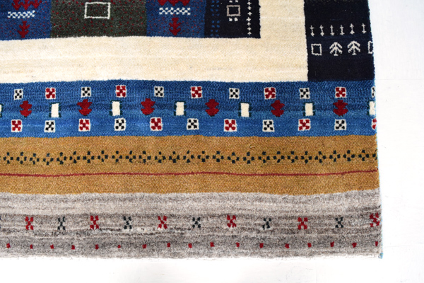 ゾランヴァリ手織りギャッベ ゴラム