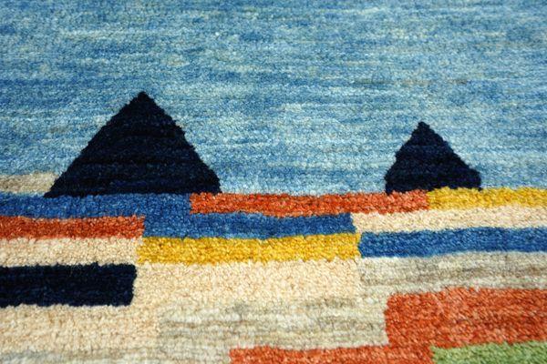 テントを大空を織り込んだゾランヴァリギャッベの風景
